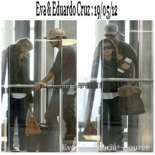 Eva Longoria et Eduardo Cruz ont été vu à l'aéroport de Nice en direction vers les Etats-Unis le 19 mai 2012.
