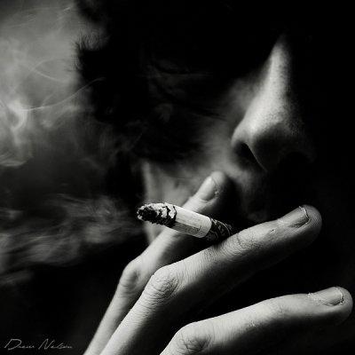 """""""Boire a s'en défaire le foie. Fumer a c'bruler les poumons. Baiser a c'faire explosé le coeur..."""""""