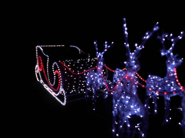 Installation des Illuminations 2012/2013 - Chapitre VI : Le Traineau