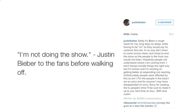 Justin Bieber plantes ses fans durant un concert