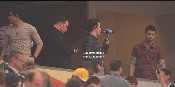 Le 4 février 2011 : Joe & Nick a l'aéroport de Dallas