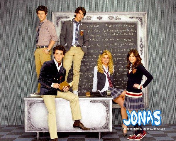 . EXCLU sur JonasBrothers-Mondial : Les épisodes de JONAS & JONAS L.A ! J'ai chercher moi même les liens des vidéos. Si vous plagier cet article, je n'hésiterai pas à signaler. Merci ! .