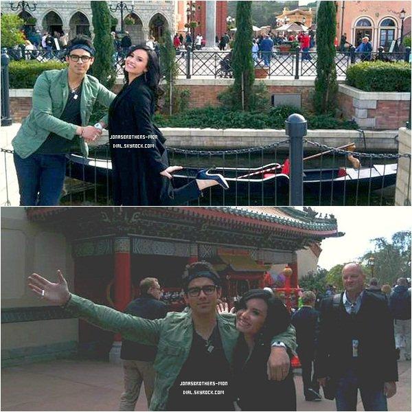 """. Le 11 février 2011 : Joe et Demi Lovato était au parc d'attraction """"DisneyWorld"""" en Floride. Ils y ont même donné un concert. Ils ont chantés """"This is me"""" & """"Make a Wave"""". ."""