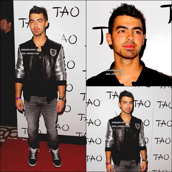 . 21/05/11 - Joe à été vu à la pré-party au prix TAO Billboard Music, à Las Vegas. .