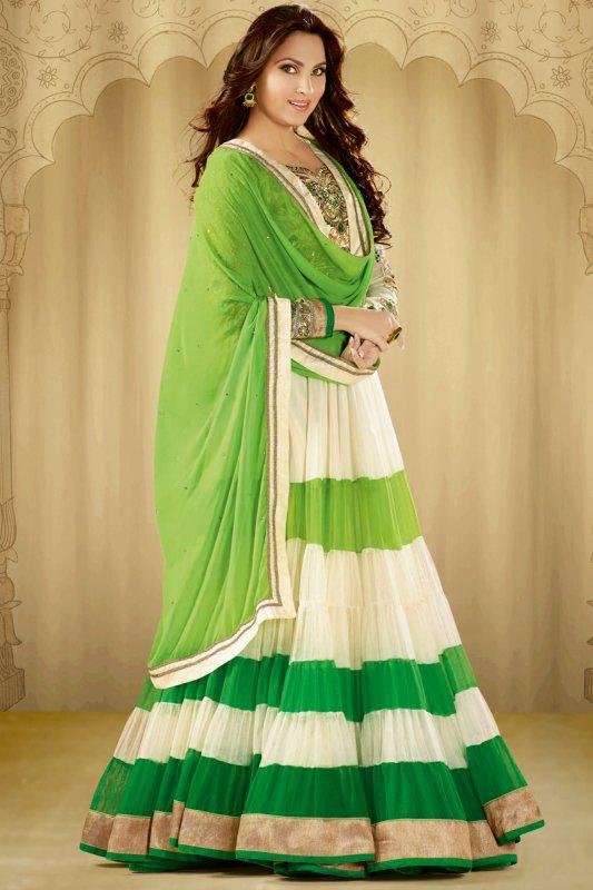 aafcb19931 Buy Lara Dutta Salwar Kameez Online U.K. , U.S.A , Canada, Australia.