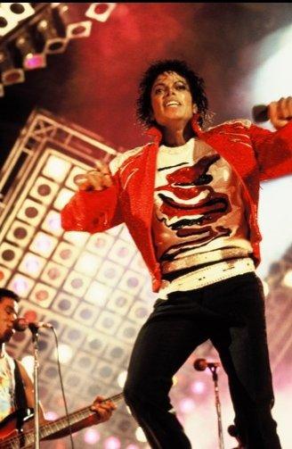 Il y a les nuls , les amateurs , les supers-stars , Dieu , et après il y a Michael Jackson !