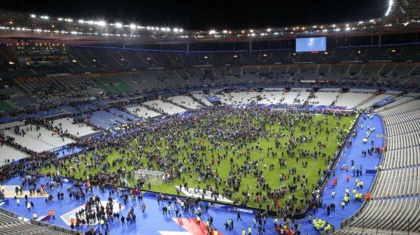 VIVE LA FRANCE.  Condoléances aux familles détruites par ces barbares.
