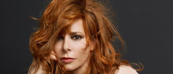 Mylène Farmer quitte Polydor Universal Music pour Sony Music