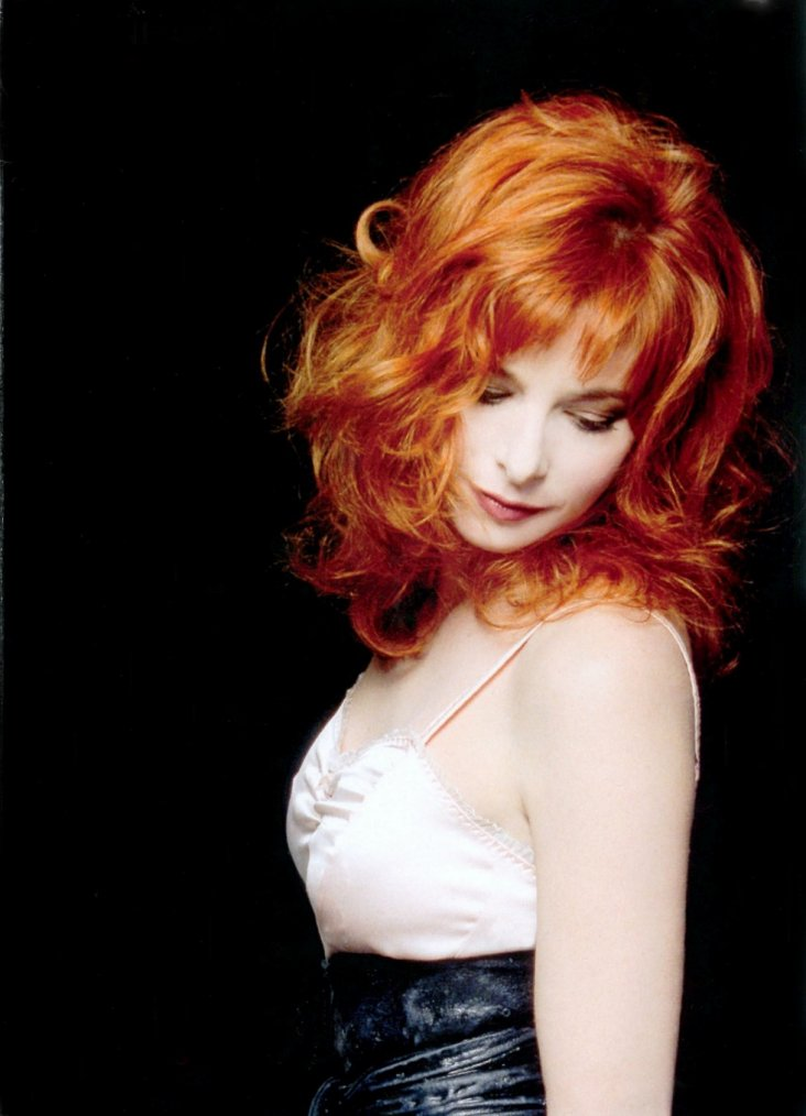 Documentaire - Mylène Farmer Star STORY - DirectSTAR