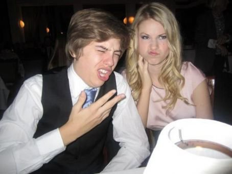 Dylan And Cole Sprouse 2014 Girlfriends Blog de Vanessa...
