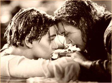« Trois consonnes, quatre voyelles et un seul sens : je t'aime. » Titanic.