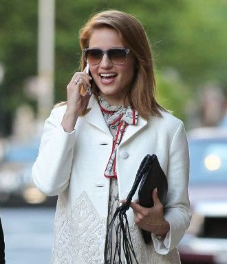 Le 17 mai, Dianna a été vue dans les rues de New York en compagnie de Ashley Avignone une de ses amies.
