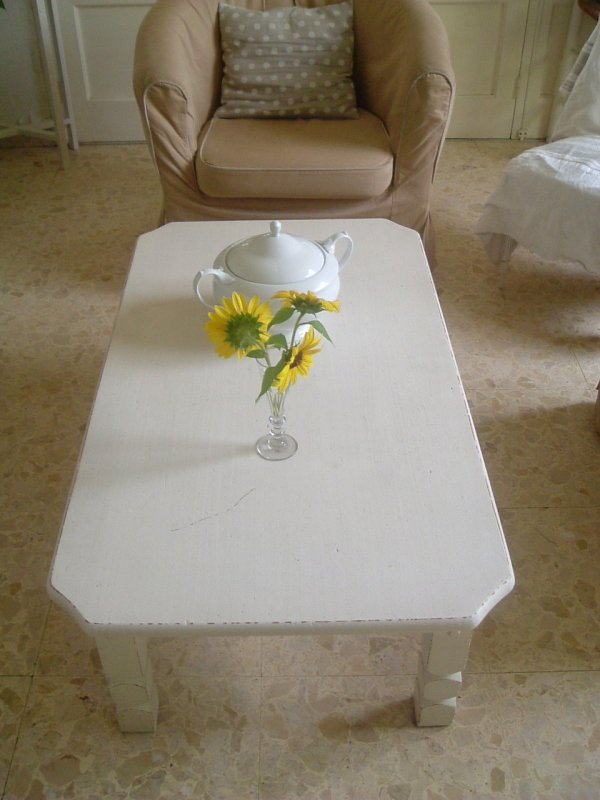 TABLE BASSE ET TABLE DE TOILETTE