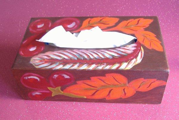 boite à mouchoirs peint à l'acrylique ( deco)