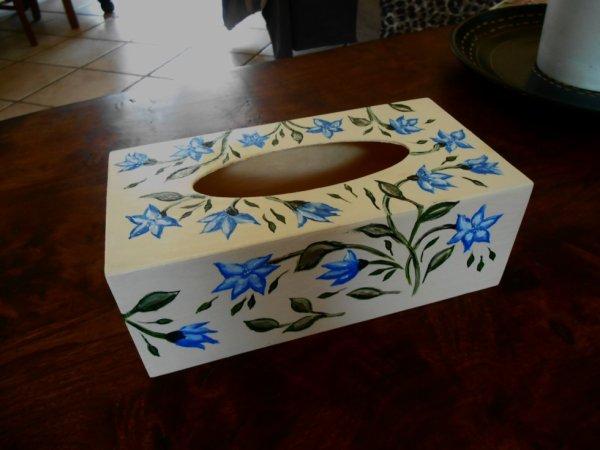 Boite à mouchoirs fleurs bleu
