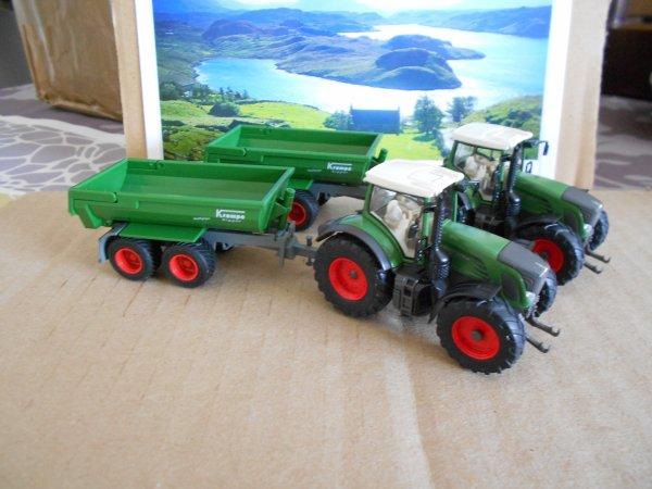 4659. 2 tracteurs FENDT 939 avec benne TP KRAMPE