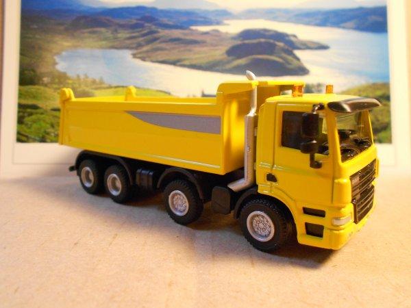 4672. camion 8*4 DAF