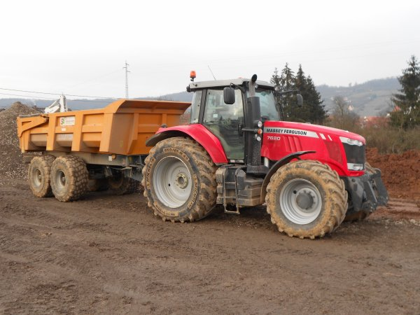 4704. tracteur MASSEY FERGUSON 7620 avec benne TP MAUPU