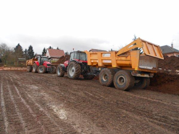 4706. tracteur MASSEY FERGUSON 7620 avec benne TP MAUPU + tracteur MASSEY FERGUSON avec benne TP MAUPU