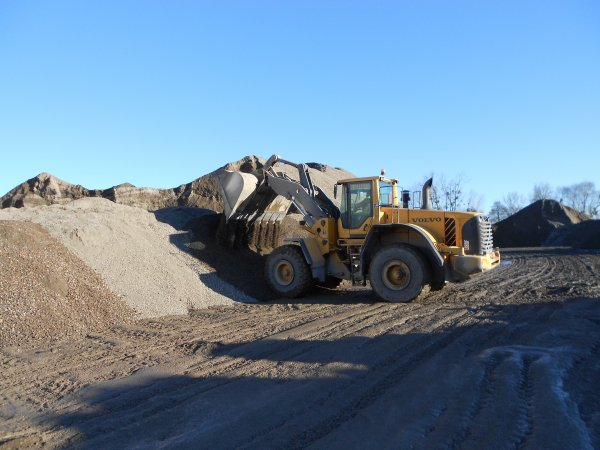 4709. chargeur VOLVO L180F