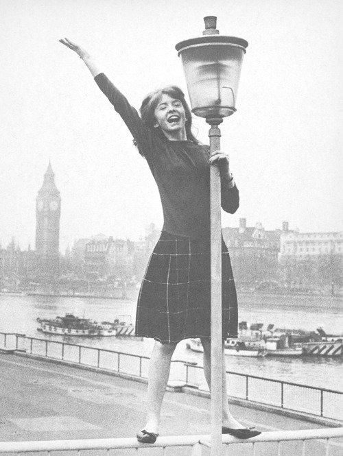 Wait me London, I arrive ♫