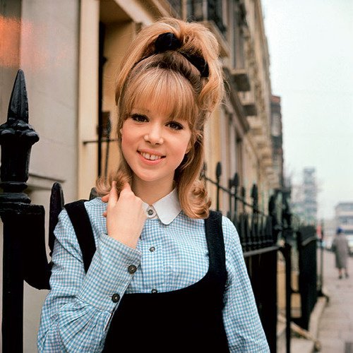 Pattie Boyd as a doll ♥ Pour ma Mo' ♥