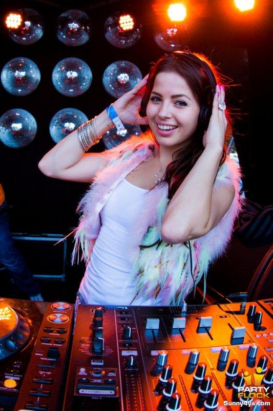 DJ miss K8 <3 <3 <3
