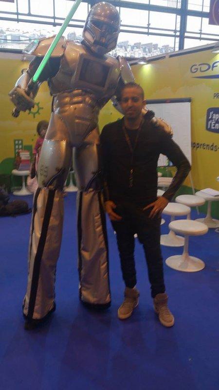 ROBOT PERFORMER GDF SUEZ AU SALON DU LIVRE 2015
