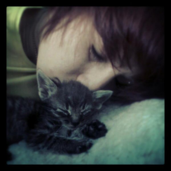 Sleepin With Oliver :*