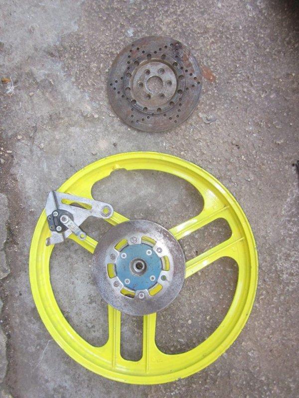 Disques de freins, achetés la fête de la Mobylette (Graulhet)