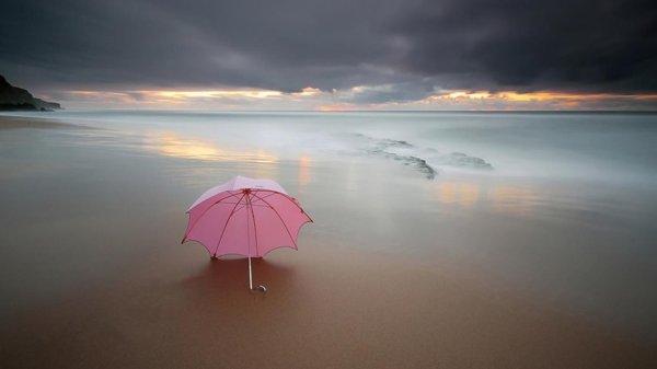 La plage , le soleil.... enfin ça dépend pour qui x)