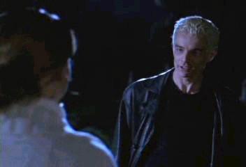 Buffy et Spike s'explique pour le baiser de la veille.