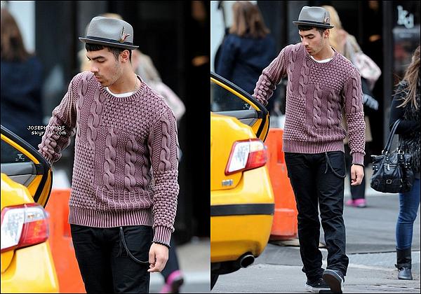 10 Avril 2012 :  Joseph et une amie sont allés se promener dans Soho à New York.