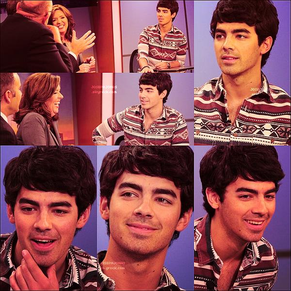 """31 Juillet 2012  :  Joe était sur le plateau de la chaîne WGN à Chicago, en promo pour """"The Next"""".    Tu peux découvrir l'interview que Joseph a faite pour la chaine en  cliquant ici  ! Tout souriant et de bonne humeur notre JJ !"""