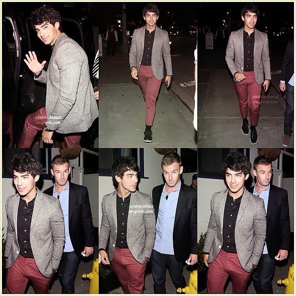 03 Août 2012  :  Joe a été vu en famille à Beverly Hills avant de se rendre à Solstice Canyon.