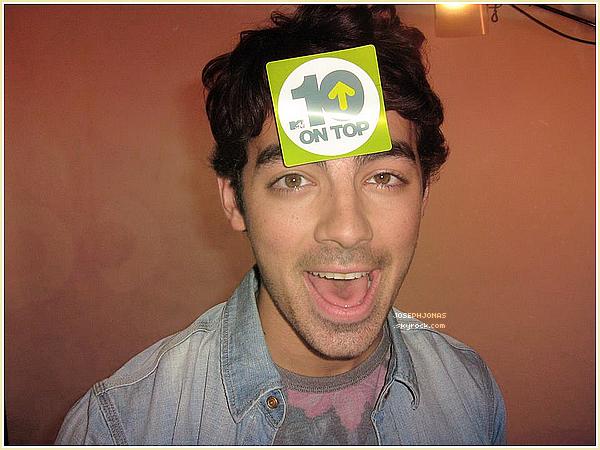 """05 Août 2012  :  Joseph était sur le tournage de """"The Next"""" qui se déroulait à Dallas."""