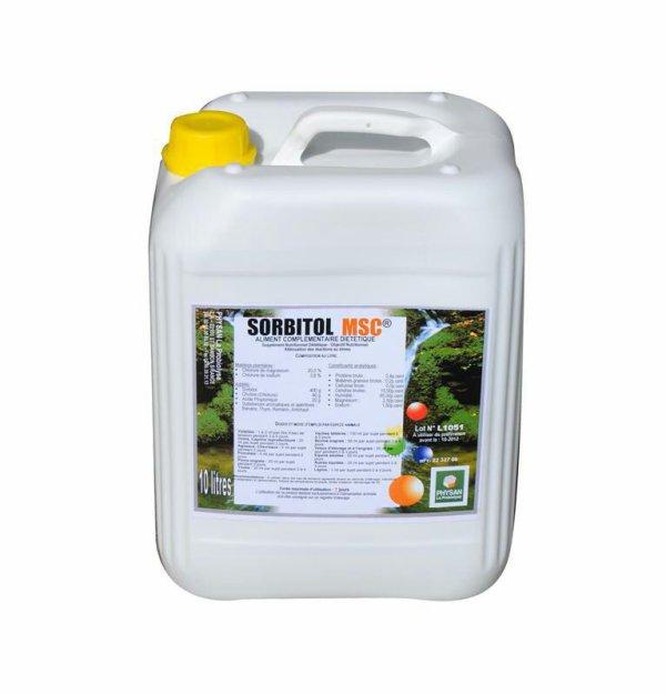 Sorbitol: 400g/l Magnésium 25 g/l Sodium : 15 g/l Chlorure de choline : 50 g/l Eau, extrait minéraux et végétaux, arôme QSP : 1 L  Action des composants:  - le sorbitol: augmente la sécrétion des cellules digestives de l'intestin et accélère aussi le transit intestinal. - le magnésium : apporté sous forme de sulfate, à une action excitante de l'intestin et du foie. il agit en synergie avec les sels de sodium. - le sodium : apporté sous forme de sulfate, complète l'action du magnésium sur l'appareil digestif par les propriétés toniques et laxatives propres aux sels de sodium. - la choline : sous forme de chlorure, est une base aminée indispensable pour l'organisme. Elle protège aussi le foie de la surcharge graisseuse.  Doses et mode d'emploi: ajouter dans l'eau de boisson ou dans les aliments les doses ci-dessous :  - volailles : 1 à 2 ml par litre d'eau de boisson pendant 3 à 5 jours. - ovins, caprins, porcins: 3 à 5 ml par sujet pendant 3 à 5 jours. - vaches laitières, bovins engrais : 10 à 15 ml par sujet pendant 5 à 8 jours.  Conditionnement: bidon de 10 litre