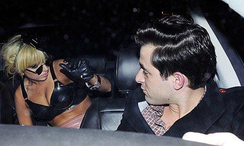 Lady Gaga : prise d'une fringale nocturne...