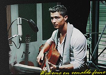 » ronaldo-feino.skyrock.com (c)  Fαntαstic source αbout Cristiano Ronaldo the play boy (c)_{αrt.1}.