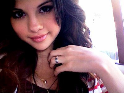 """Decouvre l'identitée de notre """"Actrice , Chanteuse..."""" Selena Marie Gomez."""