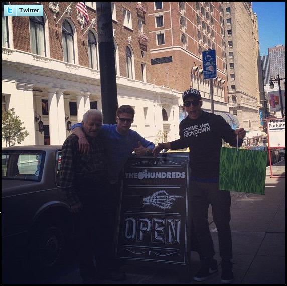 . ♦  News via Twitter ! Zach Roerig (Matt) et Michael Trevino (Tyler) font les magasins dans San Francisco. .