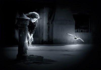 La seule manière de cesser de souffrir, c'est de n'avoir plus que du vide dans la tête…  ( Amélie Nothomb )