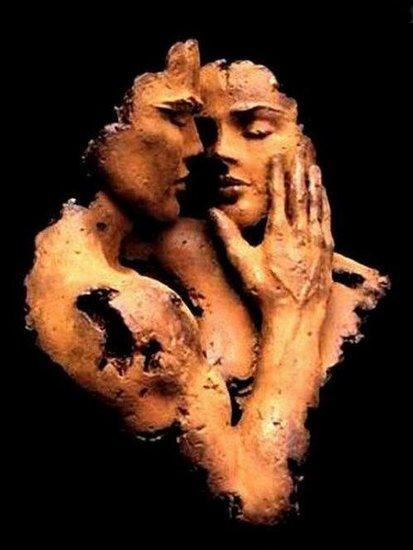 Par la caresse nous sortons de notre enfance  mais un seul mot d'amour et c'est notre naissance.  (Paul Eluard)