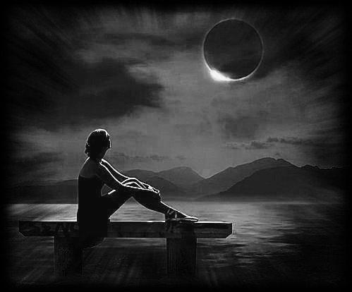 On essaie d'exprimer des sentiments avec des mots,  mais certains sont tellement fort,  que peu importe les lettres que l'on assemblera   cela ne suffira pas à dire ce que l'on ressent ...  (Victor Hugo)