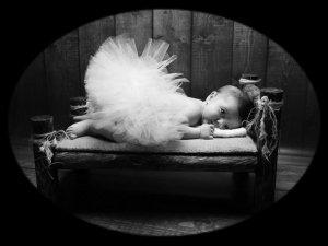 Ce qui est touchant dans l'enfance, c'est qu'il n'y a pas encore de déception. (Marie-Claire Blais)