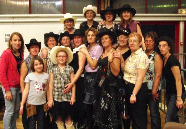 Feuquieres 9 octobre 2010 bal organisé par les ' KENTUCKY CODY DANCERS'