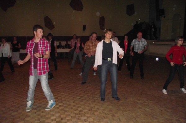 30 AVRIL 2012 Mini bal , révisions danses de l'année