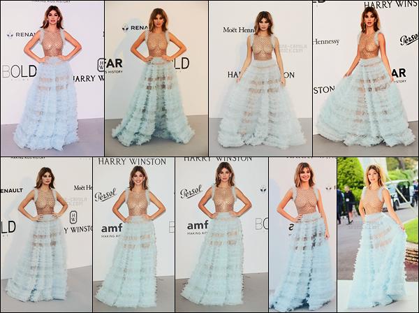 25/05/17 - La belle Camila Morrone s'est rendue au fameux gala AmfAR qui s'est déroulé à Antibes, FR  Une tenue qui ne fait pas l'unanimité malheureusement cependant pour ma part je la trouve plutôt pas mal et originale. Encore un top