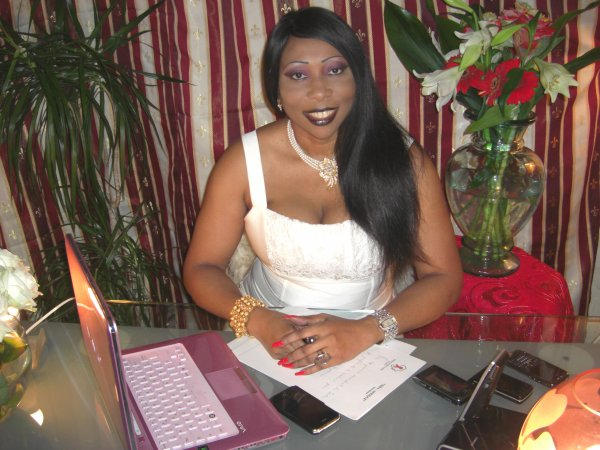 Mme Bah au Bureau