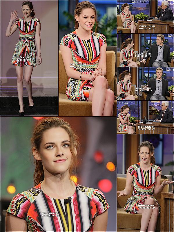 """5/11/2012-  Kristen arrivait au au show télévisé """"Jay Leno"""" à Los Angeles."""